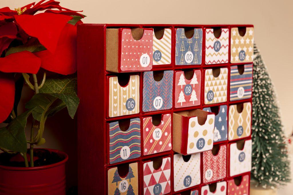 декември адвент календар