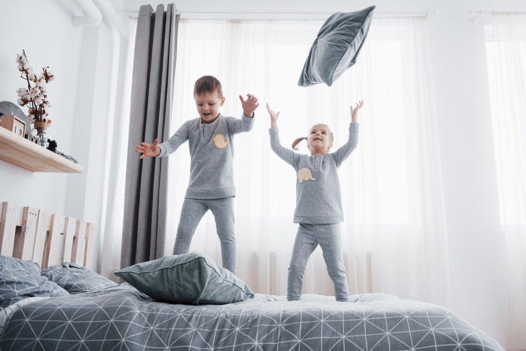 адвент календар бой с възглавници